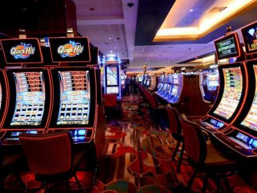 Flip Your Online Casino Into A Excessive Performing Machine